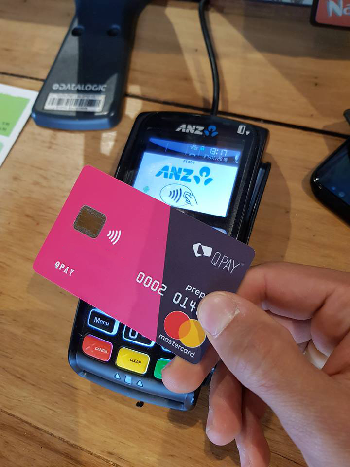 paying with QPay swipe